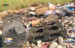 Thành phố Hồ Chí Minh: Người dân bức xúc với nạn đốt trộm rác công nghiệp
