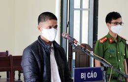 Phạt 12 tháng tù đối tượng không đeo khẩu trang, chống đối cán bộ chốt kiểm dịch COVID-19
