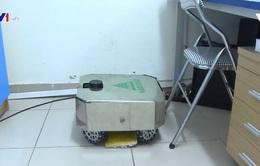 Ứng dụng robot lau sàn khử khuẩn phòng bệnh