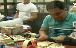 Philippines hạ lãi suất xuống mức thấp kỷ lục hỗ trợ nền kinh tế
