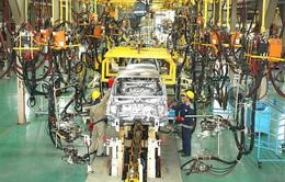 """Nhiều nhà máy ô tô vẫn dừng sản xuất dù không thuộc """"vùng nguy cơ cao"""""""