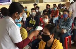 Campuchia cách ly 16.000 công nhân tự ý về quê ăn Tết
