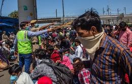 Ấn Độ trước nguy cơ dịch COVID-19 lây lan tại khu ổ chuột