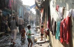 Ấn Độ ghi nhận bệnh nhân mắc COVID-19 đầu tiên tại khu ổ chuột lớn nhất nước