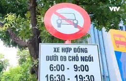 Hà Nội tạm dỡ bỏ biển cấm taxi, xe hợp đồng trên 10 tuyến phố