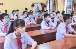 Học sinh, sinh viên đi học phải đeo khẩu trang, ngồi cách nhau ít nhất 1,5m