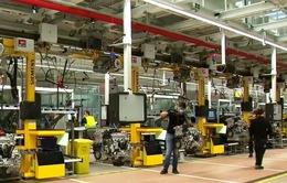 Các hãng ô tô Đức nối lại hoạt động sản xuất