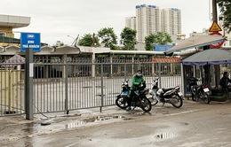 """Hà Nội ngày đầu dừng giãn cách xã hội: Bến xe vẫn """"cửa đóng, cài then"""""""