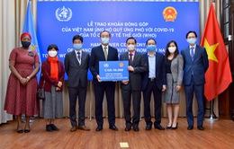 Việt Nam trao tượng trưng khoản đóng góp 50.000 USD ủng hộ Quỹ ứng phó với COVID-19 của WHO
