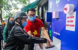 """Khai trương cây """"ATM thực phẩm miễn phí"""" đầu tiên tại quận Hoàn Kiếm, Hà Nội"""