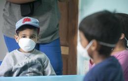 Anh cảnh báo bệnh COVID-19 gây ra biến chứng nguy hiểm ở trẻ nhỏ