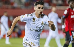 """Sao trẻ gặp """"vận đen"""" vì nhất quyết bám trụ ở Real Madrid"""