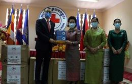 Hội chữ thập đỏ Việt Nam hỗ trợ trang thiết bị y tế cho Hội chữ thập đỏ Campuchia phòng, chống dịch COVID-19