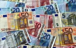 ECB khẳng định việc sử dụng tiền giấy vẫn an toàn trong dịch COVID-19