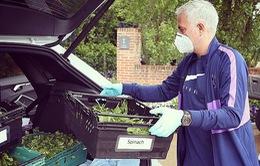 Làm từ thiện trong dịch COVID-19, Mourinho khẳng định rất nhớ bóng đá
