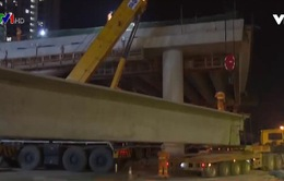 Lắp dầm cầu cạn từ Mai Dịch đến cầu Thăng Long