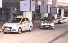 Sân bay Nội Bài tạm dừng triển khai taxi, giải tỏa hành khách