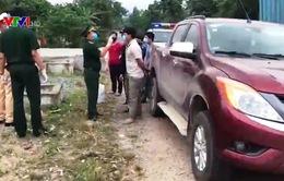 Bắt giữ xe ô tô chở người vượt biên trốn cách ly
