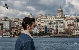 Thổ Nhĩ Kỳ áp đặt lệnh giới nghiêm đối với người trẻ tuổi