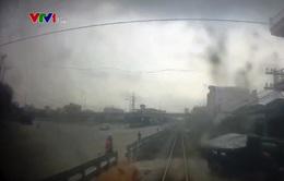 Nguy hiểm đỗ xe trong hành lang an toàn đường sắt