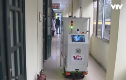 Chế tạo thành công robot vận chuyển trong các khu vực cách ly