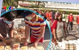 Bữa ăn miễn phí tại Pattaya, Thái Lan trong dịch COVID-19