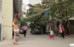 """Những ngày không quên - Tập 3: Thư bị cả khu phố """"tránh như tránh tà"""" chỉ vì tin thất thiệt của cô Xuyến"""