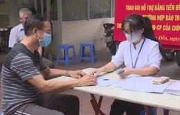 Người dân Hà Nội phấn khởi nhận hỗ trợ trong kỳ nghỉ lễ