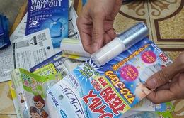 Hà Nội: Tạm giữ hàng trăm thẻ chống virus, khẩu trang và dung dịch sát khuẩn