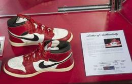 Đôi giầy đã đi của Michael Jordan được bán với giá hơn nửa triệu USD