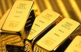Chứng khoán bán tháo, giá vàng bật tăng