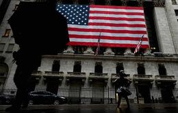 """Kinh tế Mỹ phục hồi theo hình chữ """"W"""", khó có cơ hội hình chữ """"V"""" như Việt Nam"""