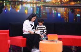 Cậu bé 8 tuổi chạnh lòng khi mẹ sinh thêm em, không được đọc truyện cùng mẹ mỗi tối