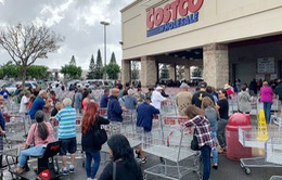 Tẩy chay siêu thị yêu cầu khách đeo khẩu trang, nhiều người Mỹ vẫn hiểu sai về COVID-19