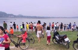 Tan trường ra sông tắm, 2 nữ sinh Hà Nội đuối nước thương tâm