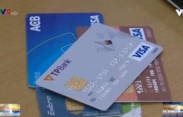 Nhiều ngân hàng tung khuyến mãi mời gọi mở thẻ tín dụng