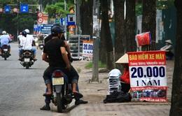 Chấn chỉnh việc bán bảo hiểm xe máy ở vỉa hè