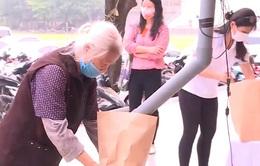 """Học Bác san sẻ với đồng bào: từ """"Hũ gạo kháng chiến"""" tới """"ATM gạo"""" miễn phí"""