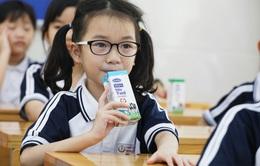 Hơn 1 triệu học sinh Hà Nội tiếp tục uống Sữa học đường sau 3 tháng gián đoạn