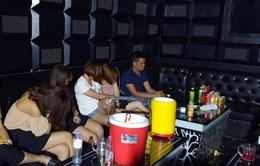 Phát hiện nhóm thanh niên sử dụng ma túy trong quán karaoke chưa có giấy phép hoạt động