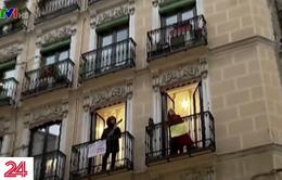 """Âm nhạc - """"Liều thuốc"""" của người dân Tây Ban Nha trong mùa dịch"""