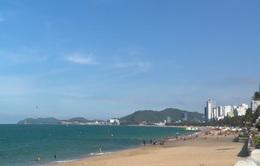 Khánh Hòa cho phép được tắm biển trở lại từ ngày 4/5