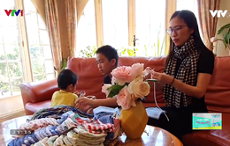 Người phụ nữ Việt may hàng trăm chiếc khẩu trang phát miễn phí tại Pháp