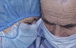 """Cặp vợ chồng người Anh nhiễm COVID-19 được điều trị tại Việt Nam: """"Chúng tôi đã có một hành trình đầy thử thách và sợ hãi!"""""""