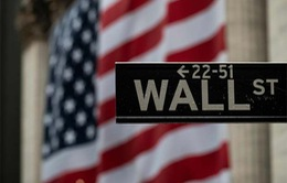 """Chứng khoán Mỹ đứt chuỗi tăng, các nhà đầu tư """"nín thở"""" đợi thị trường"""