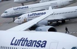 """Hãng bay Lufthansa """"đốt"""" 1 triệu USD mỗi giờ vì COVID-19"""