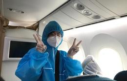 Những hình ảnh đầu tiên trên chuyến bay trở về từ vùng dịch Mỹ