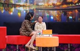 """Cô bé 8 tuổi bật khóc khi mẹ bắt nghỉ học để đi diễn vì """"lên truyền hình sẽ nổi tiếng hơn"""""""