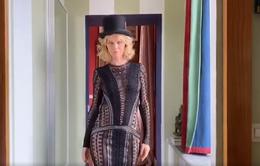Độc đáo show diễn thời trang online trong nhà đầu tiên trên thế giới