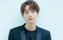 Song Joong Ki phủ nhận tin đồn hẹn hò với nữ luật sư